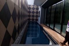 Kolam Renang di Senen