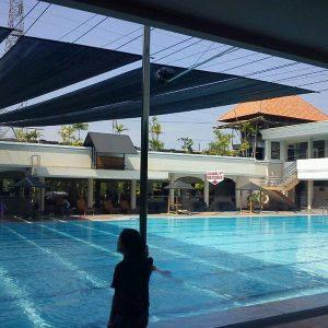 Konstruksi kolam renang di paseban