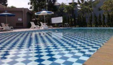 Konstruksi kolam renang di pegangsaan dua jakarta