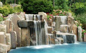 Desain Kolam Renang Dengan Air Mancur
